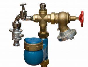 Standrohrwasserzähler mit Wasserhahn und C-Kupplung